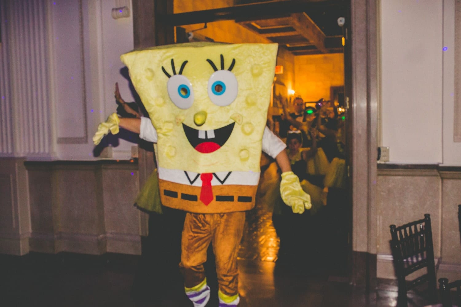 Sponge Bob Hora Loca | Modern St. Augustine Wedding at The Treasury on The Plaza