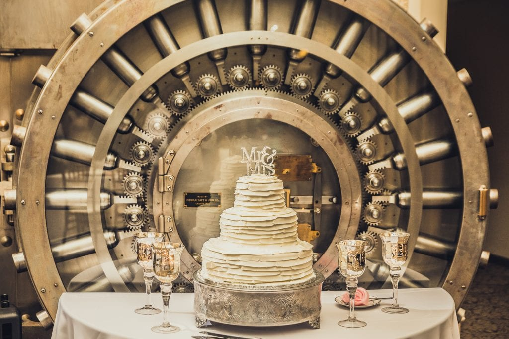 Wedding Cake | Tamisha + Jason | A Fun Elegant Wedding in St. Augustine | Treasury Blog