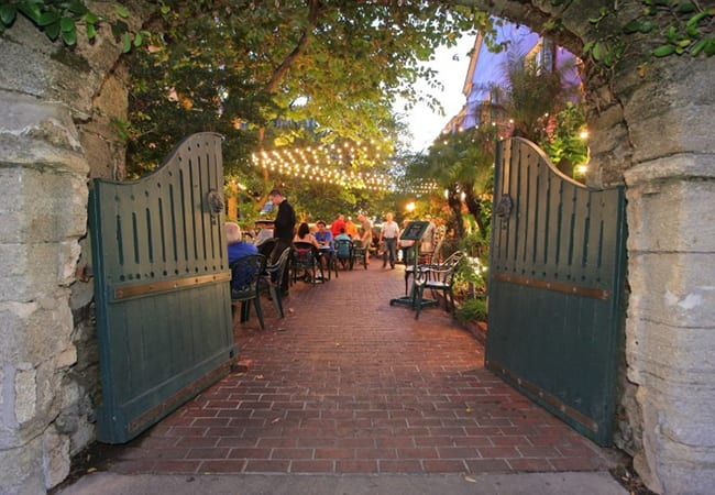 restaurants in St. Augustine with outdoor dining. Harry's
